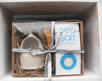 Salt Pig Gift Set with Cornish Sea Salt Pouch and Bamboo Spoon