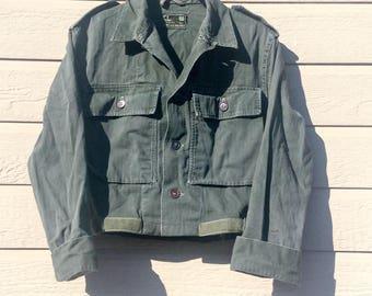 Vintage Army Jacket - Cropped Crop - Olive Drab - Boyfriend- Army Shirt Jacket - 60/70s- Military- Army Field Jacket - Euro - Swiss