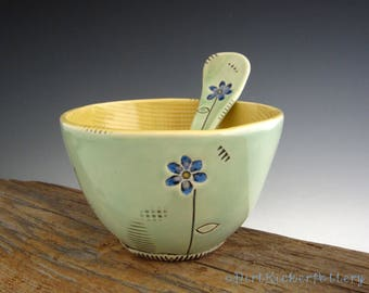 Blue Daisy Bowl with Matching Spoon - Pottery Bowl in Aqua and Yellow - by DirtKicker Pottery