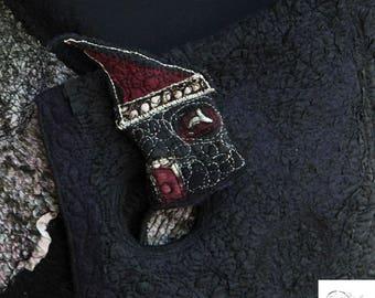 Mini Art Textile House Pin Black Cranberry