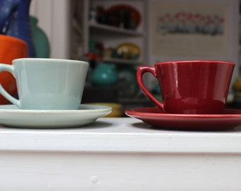 2 Bauer Pottery La Linda Cups and Saucers Glossy Gray Burgundy California 1950s  VINTAGE by Plantdreaming