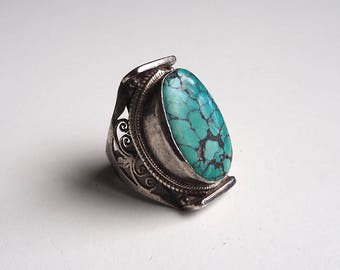 Large Nepalese ring in 925 silver and authentic Turquoise, vintage.