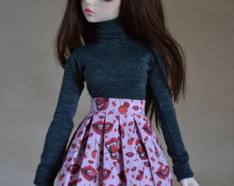 Pink skirt with vampire lips