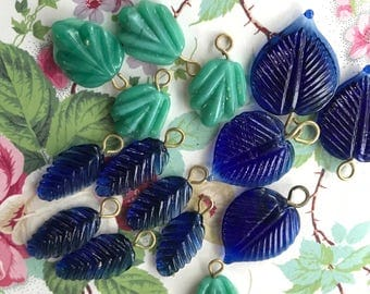 Wired Glass Leaf Charms, Drops Dangles, Czech Leaves, Vintage Supplies, Vintage pressed glass, Jewelry design, glass leaves, Boho Charms