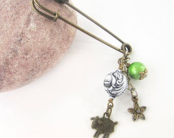 Vintage Style Dangle Pin - Green Shawl Brooch - Sheep Lovers Sweater Pin