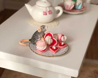 Miniature Mouse Figurine, Mouse With Sweets Style #30, Dollhouse Miniatures, 1:12 Scale, Dollhouse Decor, Topper, Crafts, Shelf Sitter