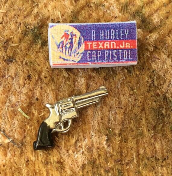 Miniature Toy Gun With Box, Mini Cap Pistol, Dollhouse Miniature, 1:12 Scale, Dollhouse Decor, Accessory, Crafts