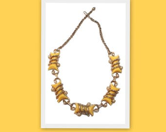 1950s Yellow Thermoset and Pearl Vintage Choker Necklace