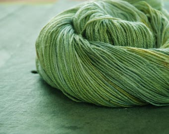 SPECKLED Frog ~ LEPRECHAUN~ Colours By Nature ~ Yak and Silk Yarn plant dyed hand dyed