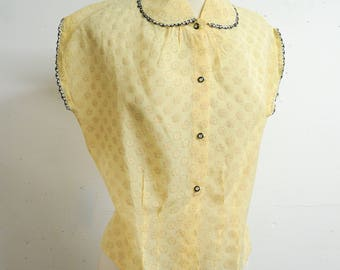 1950s Cream yellow sheer voile blouse / 50s penny collar cap sleeve printed shirt - M