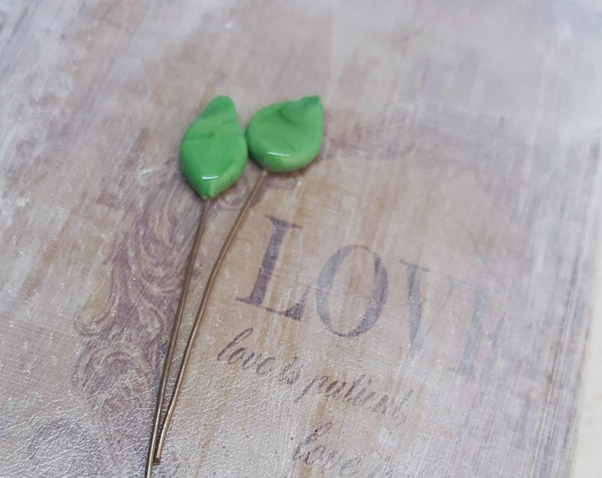 2 lampwork glass headpins, green leaves, SAHP16
