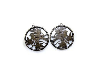 2 Antique Bronze Bird in the circle Charms