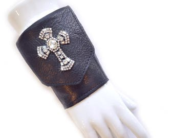 Leather | Wrist | Cuff | Wallet | Wrist Wallet | Black | Rhinestone Cross