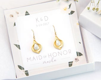 Personalized Wedding Gift, Maid of Honor Earrings, Gold Calla Lilly Gemstone Earrings, White Stone Earrings, Bridesmaid Gift, Bridal Jewelry