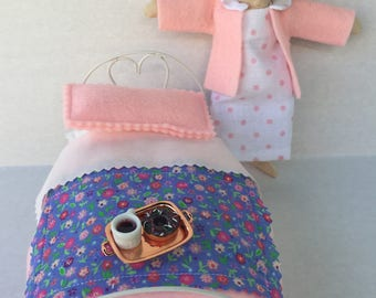 BED TIME MOUSE Breakfast in bed  Display or for your Pocket