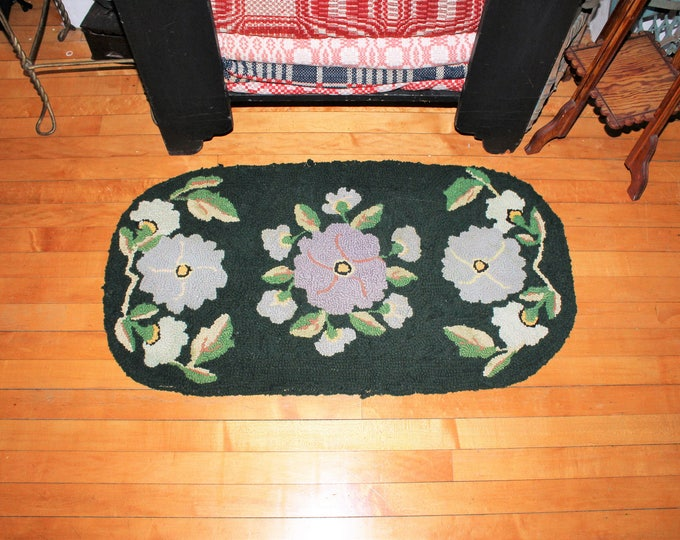Antique Hooked Rug Farmhouse Decor Flowers Early 1900s