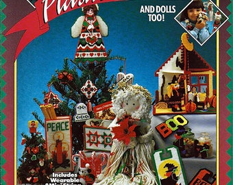 Holiday Plastic Canvas and Dolls Too Pattern Book California Country Book No 027