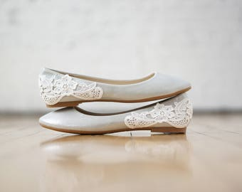 Silver Wedding Flats,Wedding Shoes,Ballet Flats,Reception Shoes,Bridesmaid,Bridal Shoes,Bridal Flats,Silver Shimmer Shoes with Ivory Lace