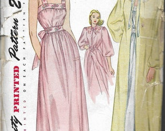 Vintage 1946 Simplicity 1798 Nightgown & Negligee Sewing Pattern Size 14 Bust 32""