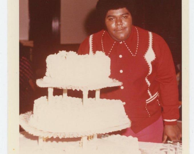 Vintage Snapshot Photo: Wedding Cake, Hollywood, CA 1972 (710613)