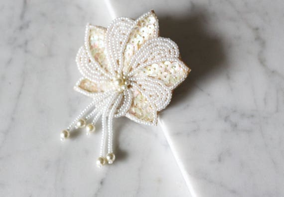 1980s beaded and sequin floral brooch // 1980s sequin brooch// vintage brooch