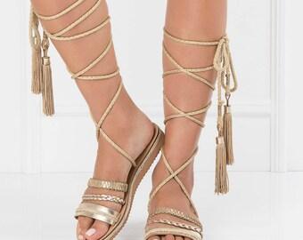 wrap up flat sandals,lace up gladiators,boho womens sandals,,boho sandals,trendy gladiators,knee high gladiators,bohemian chic sandal