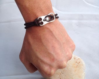 Man bracelet in raw leather, brown leather bracelet, on clasp and tube in zinc-plated steel, Leather jewelry for men