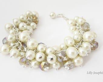 Cream Chunky Pearl Bracelet, Ivory Pearl Statement Bracelet, Bracelet for Bride, Pearl Bridesmaid Bracelet, Chunky Ivory Pearl Bracelet
