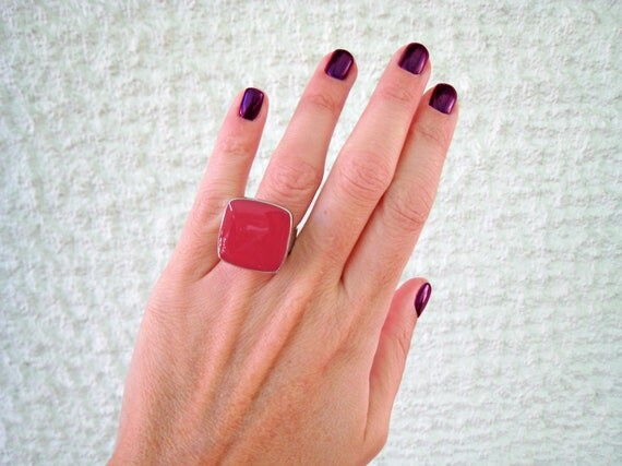 Dark Pink statement ring, fuchsia pink ring, silver tone raspberry pink resin ring, modern minimalist jewelry, pink cocktail square ring