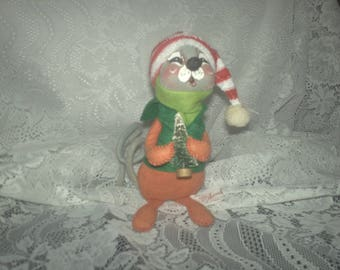 Annalee Mobiltee Christmas Mouse with Tree 1965