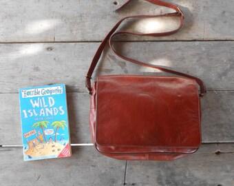 Vintage Leather Bag TEXIER Leather Messenger Bag , Crossbody bag / Chestnut red brown / Medium / Made in France