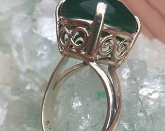 Light Green Onyx Infinity Basket Setting, Silver 92.5 US size 7