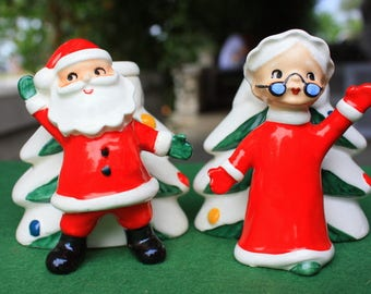 Vintage Norcrest Santa Mrs. Claus Waving w Christmas Trees Candle Holder Set Japan Figurines Decorations Collectibles