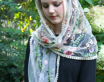 Evintage Veils~Wildflowers Ivory OR Black Floral  LaceWrap Mantilla Floral Vintage Inspired Lace Chapel Veil Scarf Mantilla-