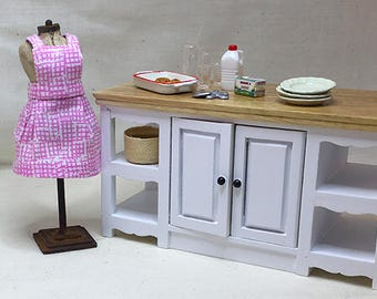 Miniature Dollhouse Vintage Inspired Apron with Bib - Pink Graphic