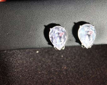 Elegant vintage solitare rhinestone clip earrings - Unsigned
