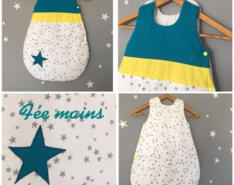 Sleeping bag 0-6 months in white cotton printed grey stars, Teal and yellow