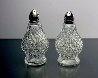 Salt and Pepper Shakers,  Silver Tops, Clear Glass, Footed, Cut Diamond Pattern