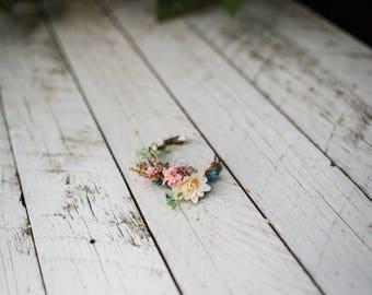 Summer floral bracelet Meadowy style Flower bracelet Romantic bracelet Boho wedding Bracelet for bride Bracelet for bridesmaid