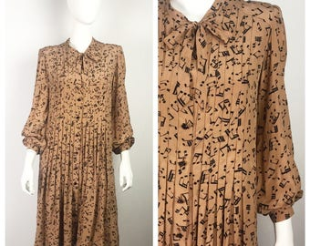 Vintage 1940s Dress / 40s Silk Musical Note Novelty Print Dress / Large