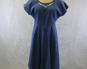 Vintage Short Sleeve Medium Blue Denim Dress with Lace Front | Size Small 6 | Cinched Back | Midi Length | Below the Knee | Corset Back