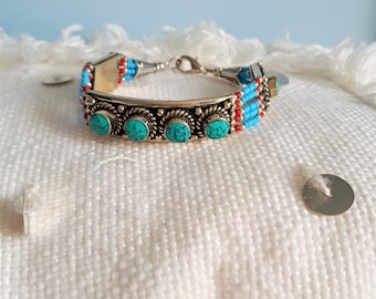 Ethnic bracelet - Turquoise and coral - handmade