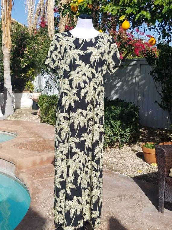 Palm Tree Hawaiian Maxi Dress,Black and Beige,100% Rayon,Size Large.