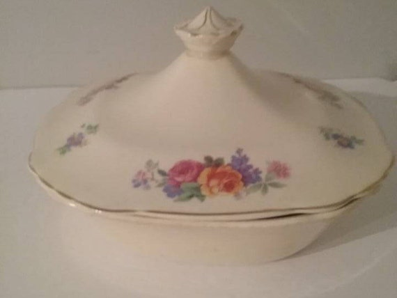 """Mary Stuart by Wedgwood Bowl and Lid, Floral Wedgwood Vegetable Bowl with Lid, 8"""" square Wedgwood bowl and list, Vintage Xmas Gift"""