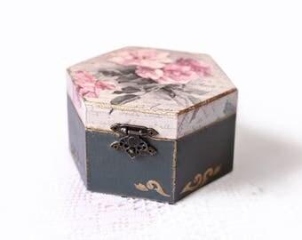Wooden Storage Decoupage Box Handmade Jewelry Keepsake Dark Grey Box With Pink Roses Rustic Wood Decoration Home Decor