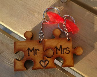 "Personalised Jigsaw Keyring Set ""Mr & Mrs"" / couples / bast friends  - Wedding  anniversary  birthday gift"