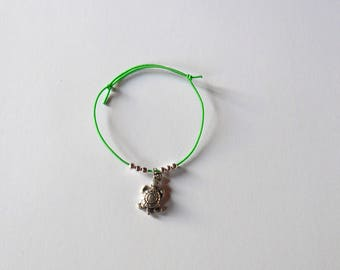 Green child bracelet with Pearl and turtle