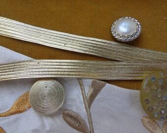 Vintage Metallic Ribbon Trim / Gold Ribbed Trim / 39.5 Yds