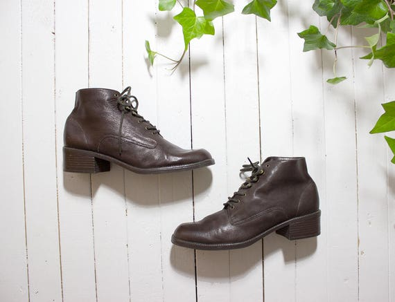 Vintage Ankle Boots 9 / Brown Leather Boots / Lace Up Booties / Ankle Boots Women
