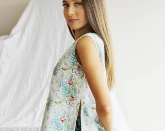 Fox and Ferns Sleeveless Top with Side Slits in Cotton Sateen. Fox Top. Fern Top. Singlet Top. Sleeveles Top. Tank Top. Top with Side Slits
